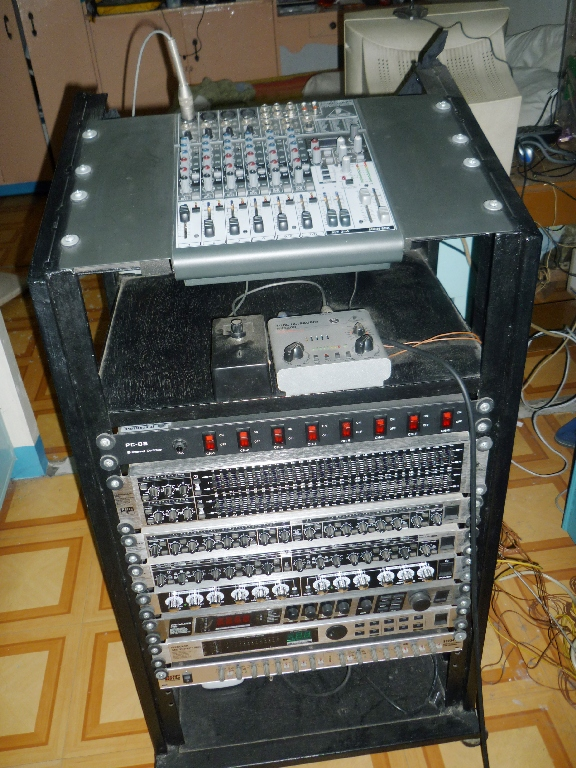 Here's the rack that makes the Voodoo Audio!!